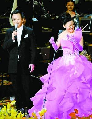 歌曲《想亲亲》演唱:朱军,谭晶