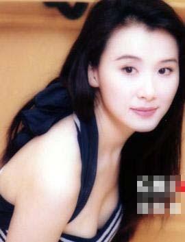 台湾第一美女萧蔷刚出道(20岁)时大量照片曝光