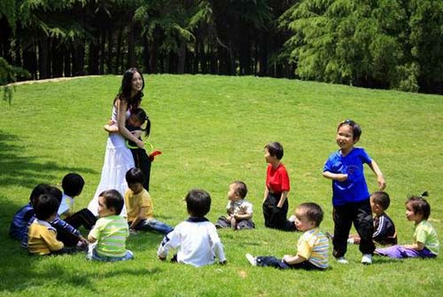 四川孤儿院儿童照片