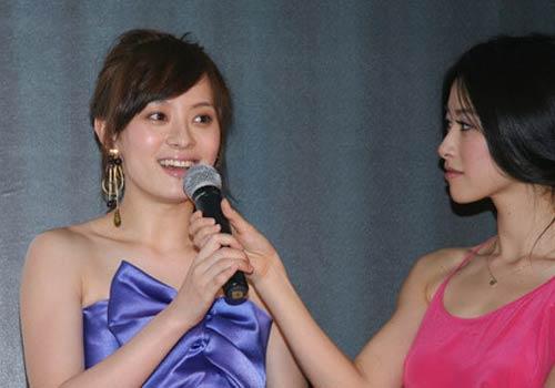 闫妮女儿短发发型图片展示图片