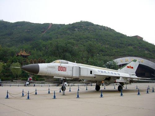 歼-8ii由沈阳飞机设计所设计,沈阳飞机制造公司试制和生产,1984年6